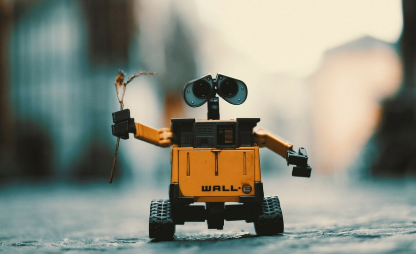 Aniran els robots al sopar d'empresa. Articla publicat a l'Indicador